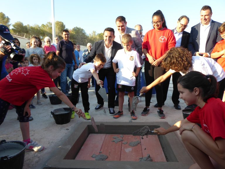 La Nucía pone la primera piedra de su estadio de atletismo