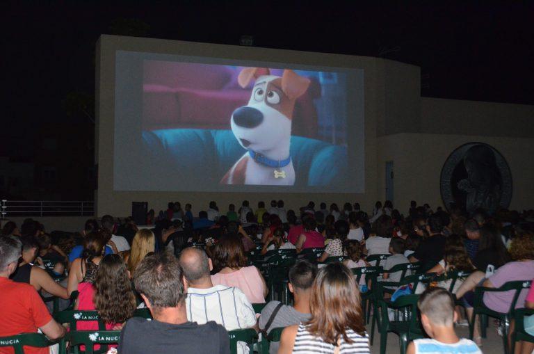 El Cine Estival Familiar arranca con más de 400 personas