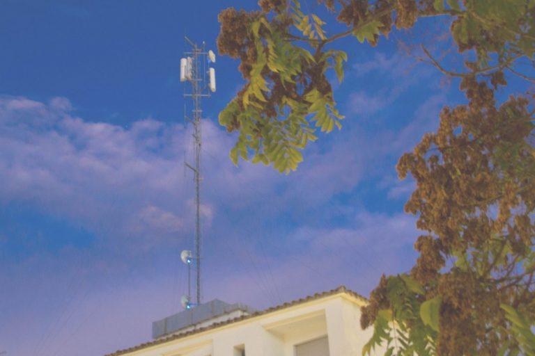 El Ayuntamiento gana en primera instancia el juicio por la instalación de una antena de telefonía en la Avenida Jaume I