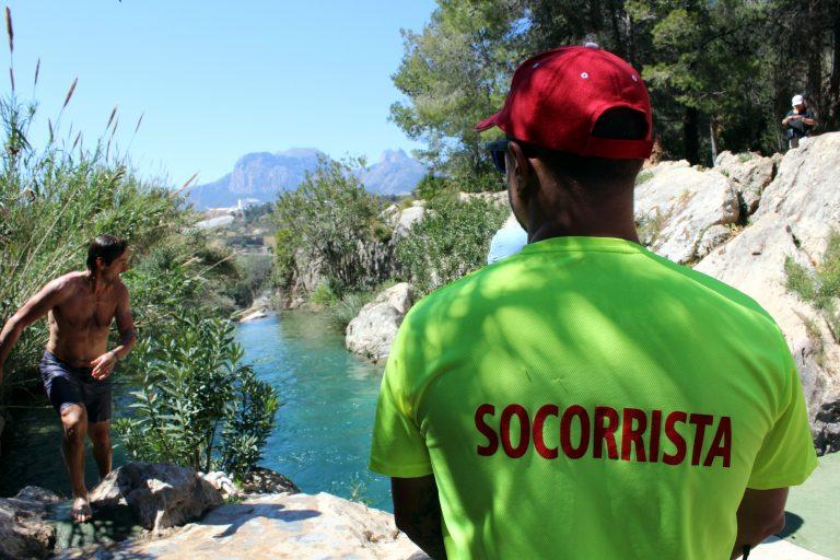 Turismo concede una subvención de más de 12.000 euros para el servicio de socorrismo de las Fuentes del Algar