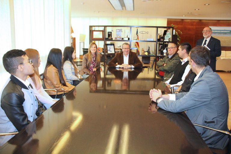 Recepción a alumnos colombianos de Turismo en Benidorm