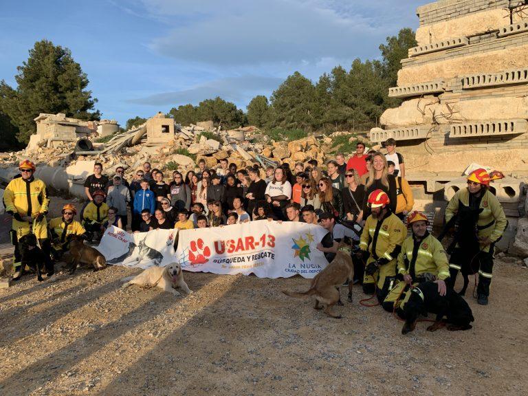 Visita de los Erasmus al Campo de Entrenamiento  de Perros de Rescate de La Nucía
