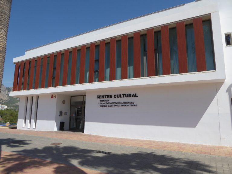 "Conferencia sobre ""Turismo Cultural"" en l ´Auditori de La Nucía"