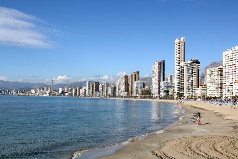 Benidorm inicia el trámite para viabilizar seis PRI's de hoteles que quieren mejorar categoría e instalaciones