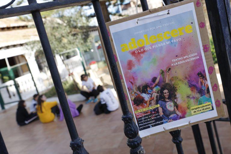 Una veintena de jóvenes participan en la dihuitena Mostra de Teatre de l'Alfàs