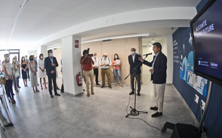"""Carlos Mazón: """"Alicante se está convirtiendo en la capital digital del arco Mediterráneo"""""""