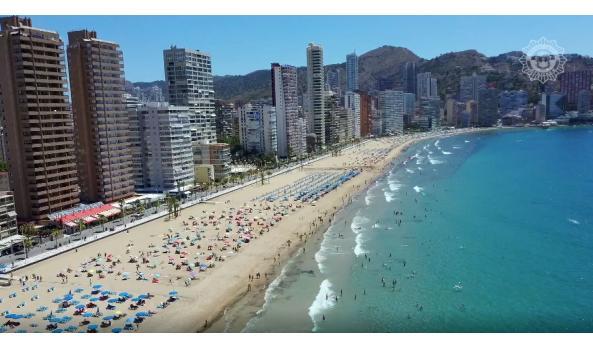 Benidorm fija el horario de apertura de las playas y calas