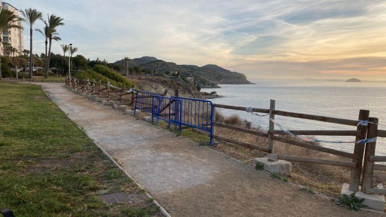 Villajoyosa mejorará la valla del parque litoral de la Tellerola