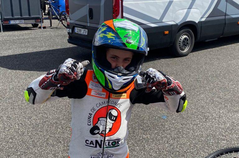 Oliver Cantos un campeón de Finestrat en Estoril, en categoría moto 5 y con 10 años