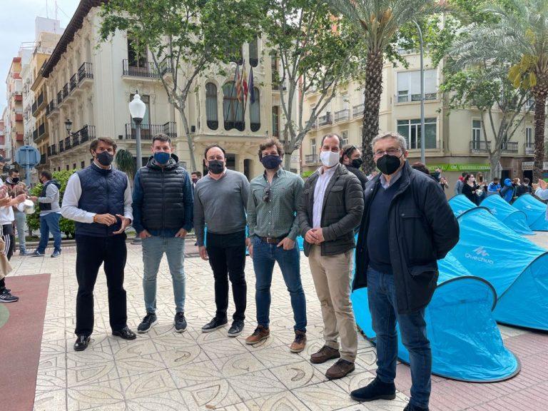 el PP alicantino solicita al Consell retrasar el toque de queda para ayudar más a la Hostelería
