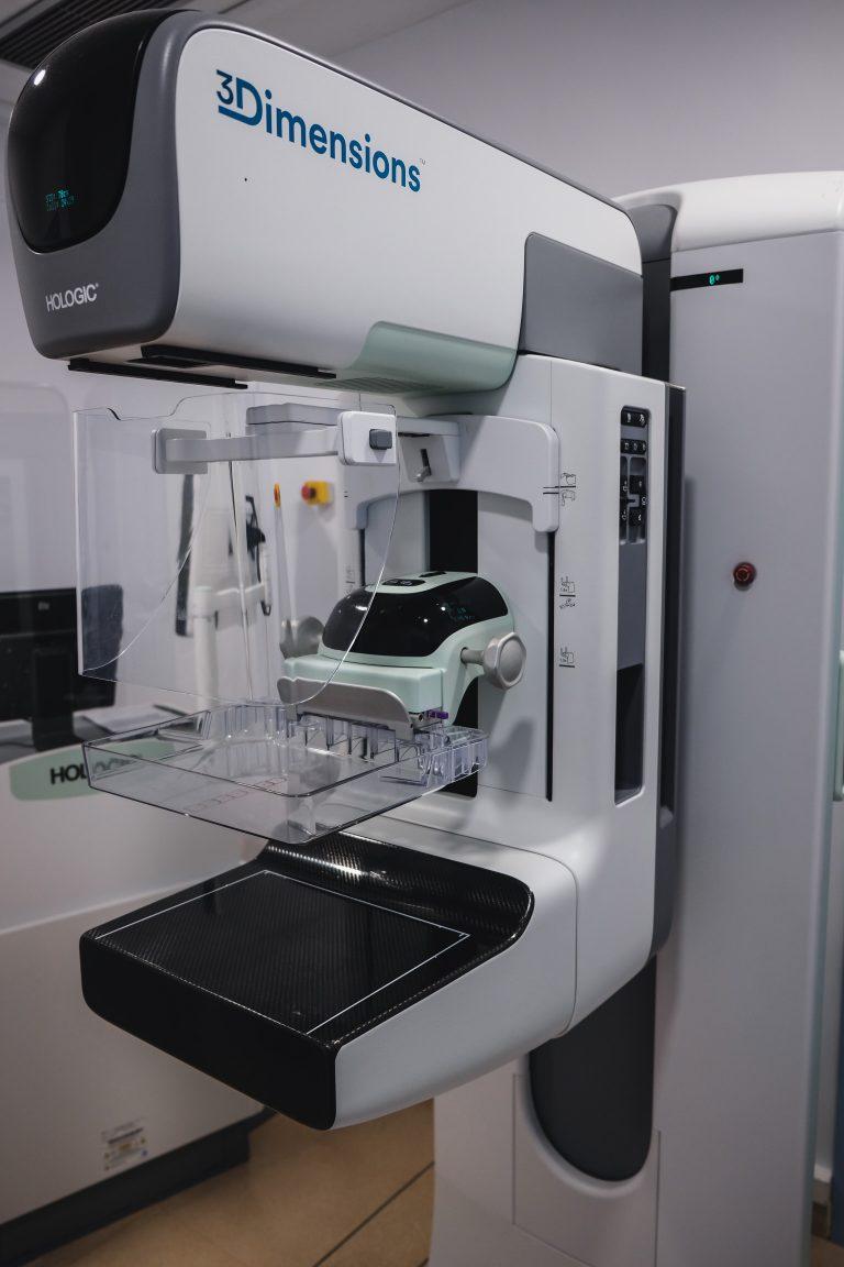 IMED Levante mejora la detección del cáncer de mama con el mamógrafo 3D de última generación