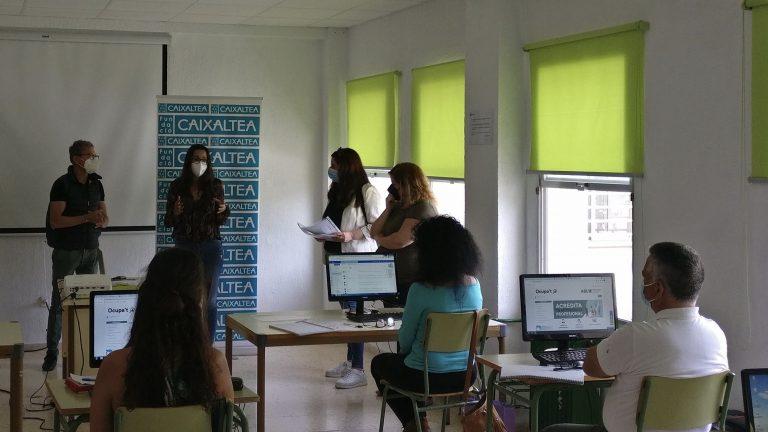 Clausura del curso 'Competencias digitales para el Empleo' de Cruz Roja y Fundación Caixaltea