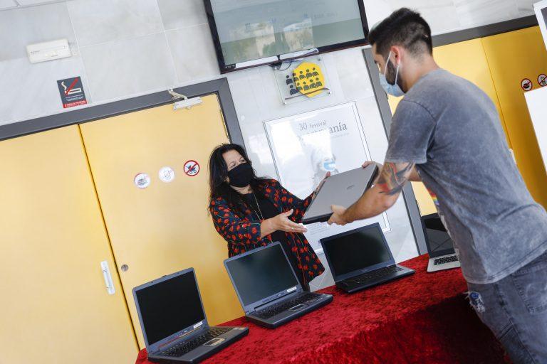 En L´Alfàs, Campaña «Reactiva-T» con dispositivos informáticos en desuso
