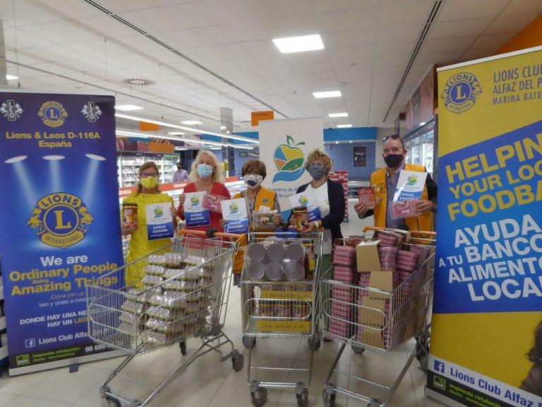 """El Club Leones dona """"comida"""" al Programa de Alimentos de La Nucía"""