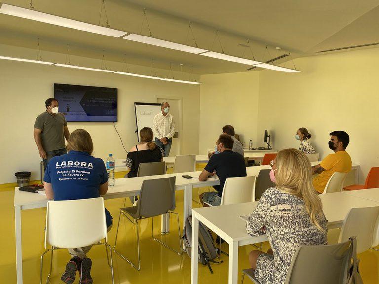 """22 personas se forman  en la """"Sensibilización para la Transformación Digital"""" del Lab_Nucia"""
