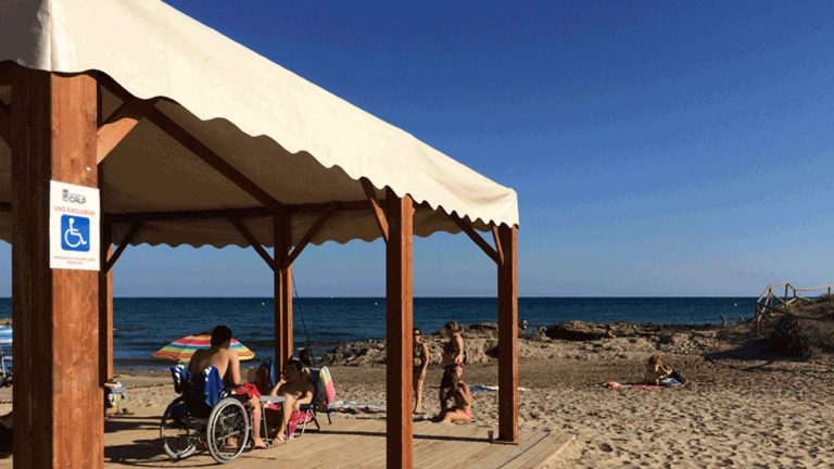 Calp abre de nuevos sus dos playas adaptadas
